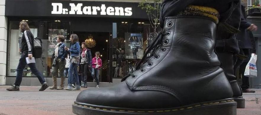 dr. martens italia tendenze shoes men calzature maschili moda uomo 2021